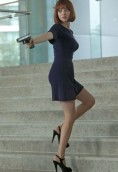 Amanda Seyfried height and weight