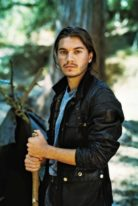 emile-hirsch-height-weight-shoe-size