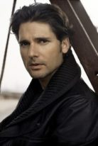 eric-bana-height-weight-shoe-size