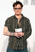 Johnny Depp height and weight