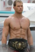 Kellan Lutz height and weight