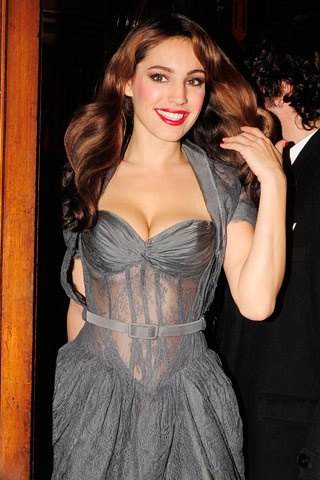 Kelly Brook Height, Weight
