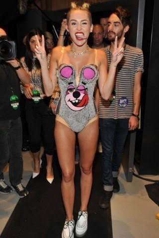 Miley Cyrus Height, Weight Loss