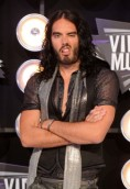 Russell Brand height and weight
