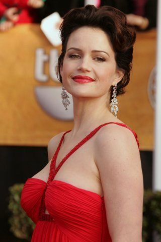 Carla Gugino Height – Weight