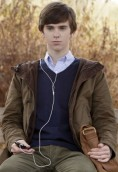 Freddie Highmore height and weight 2017