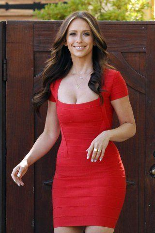 Jennifer Love Hewitt Height – Weight