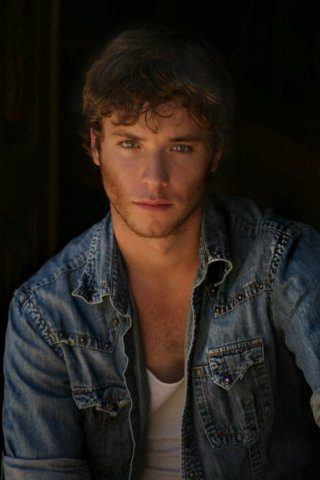 Jeremy Sumpter Height – Weight