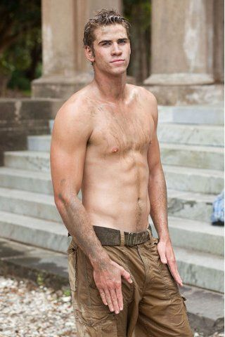 Liam Hemsworth height and weight