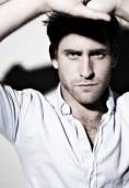 Oliver Jackson-Cohen height and weight