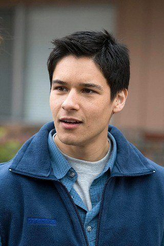 Oliver James Height – Weight