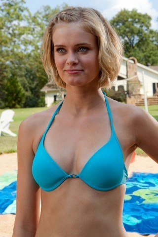 Sara Paxton height and weight