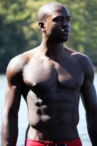 Sinqua Walls height and weight