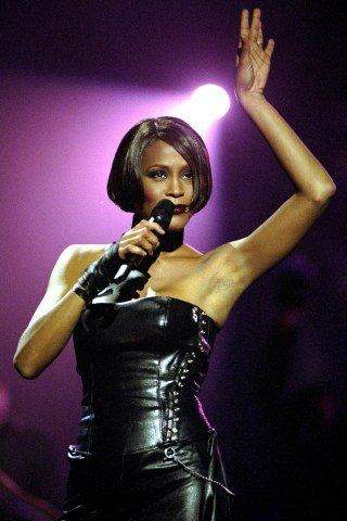 Whitney Houston Height – Weight
