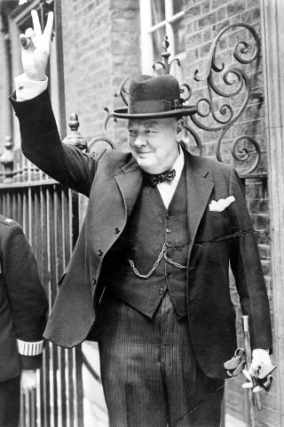 Winston Churchill height and weight