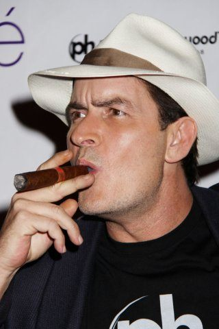 charlie-sheen-height-weight-shoe-size