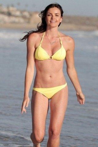 Courtney Robertson Height - Weight
