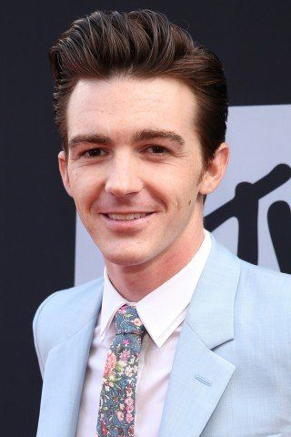 Drake Bell height and weight