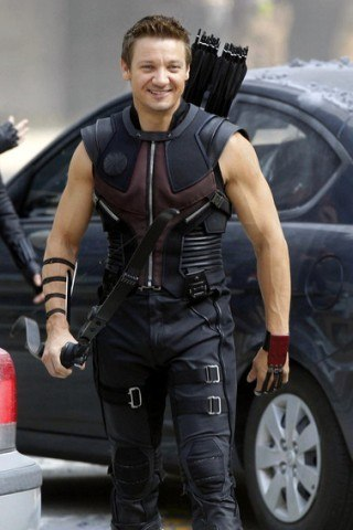 Jeremy Renner height and weight
