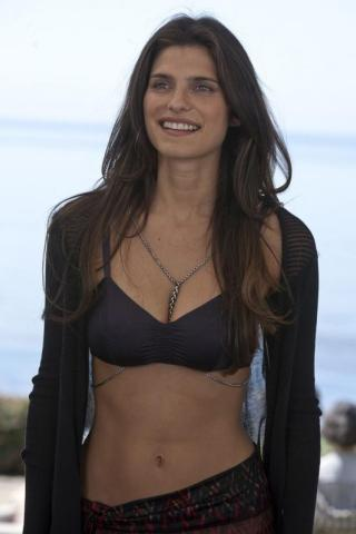 Lake Bell height and weight