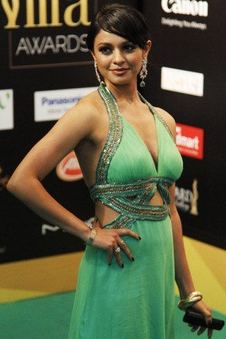 Pooja Kumar height and weight