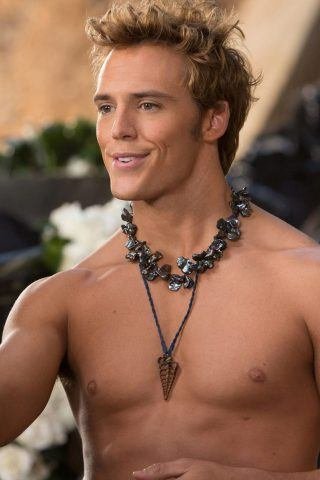 Sam Claflin height and weight
