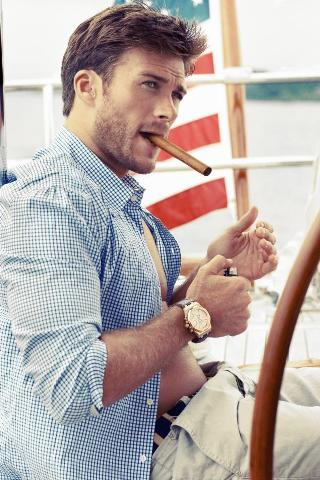 Scott Eastwood height and weight