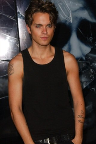 Thomas Dekker height and weight