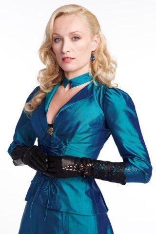 Victoria Smurfit height and weight