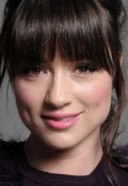 Crystal Reed height and weight