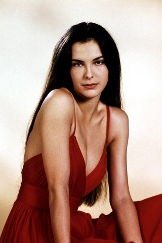 Carole Bouquet height and weight
