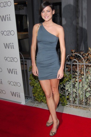 Jessica Stroup height and weight