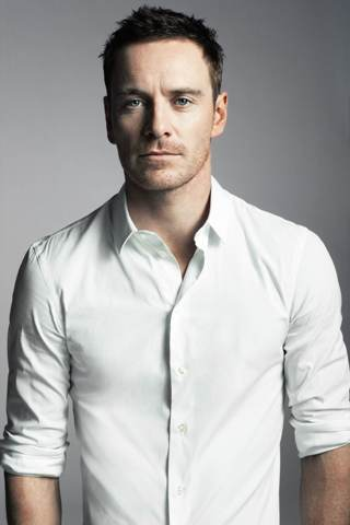 michael-fassbender-height-weight-shoe-size