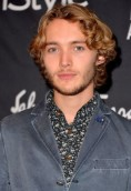 Toby Regbo height and weight 2017