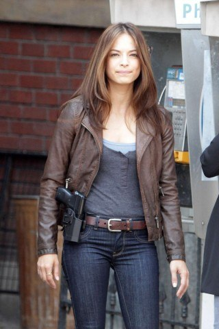 Kristin Kreuk height and weight