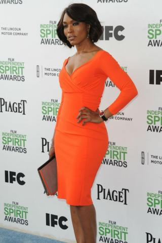 Angela Bassett height and weight