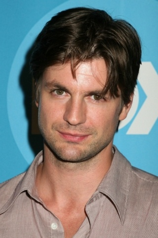 Gale Harold Height - Weight