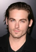 Kevin Zegers height and weight