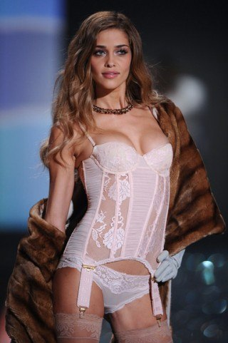 Ana Beatriz Barros height and weight