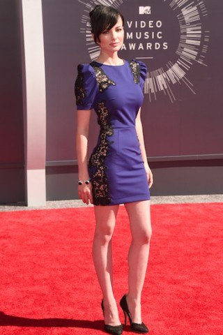 Ashley Rickards height and weight