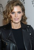 Stana Katic height and weight