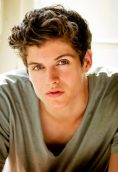 Daniel Sharman height and weight