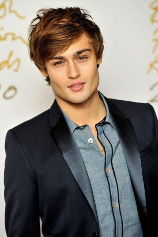 Douglas Booth height and weight 2016