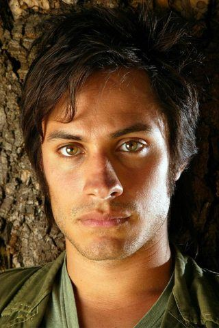 Gael Garcia Bernal Height, Weight