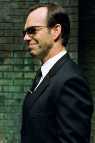 Hugo Weaving height and weight