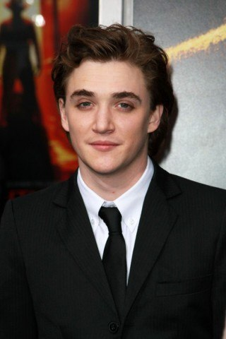 Kyle Gallner height and weight