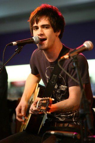 Brendon Urie Height Weight