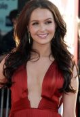 Camilla Luddington height and weight