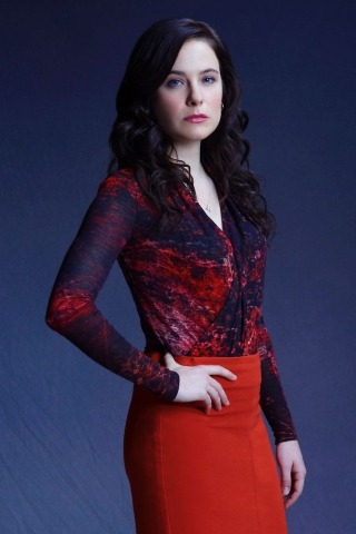 Caroline Dhavernas height and weight