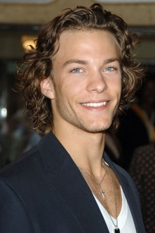 Kyle Schmid height and weight